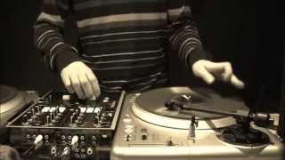 Nobodi da Vinylist - Let The Rhythm Hit Em