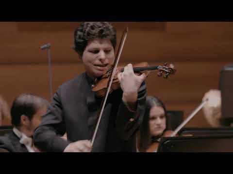 Augustin Hadelich plays Mendelssohn Violin Concerto (LIVE)