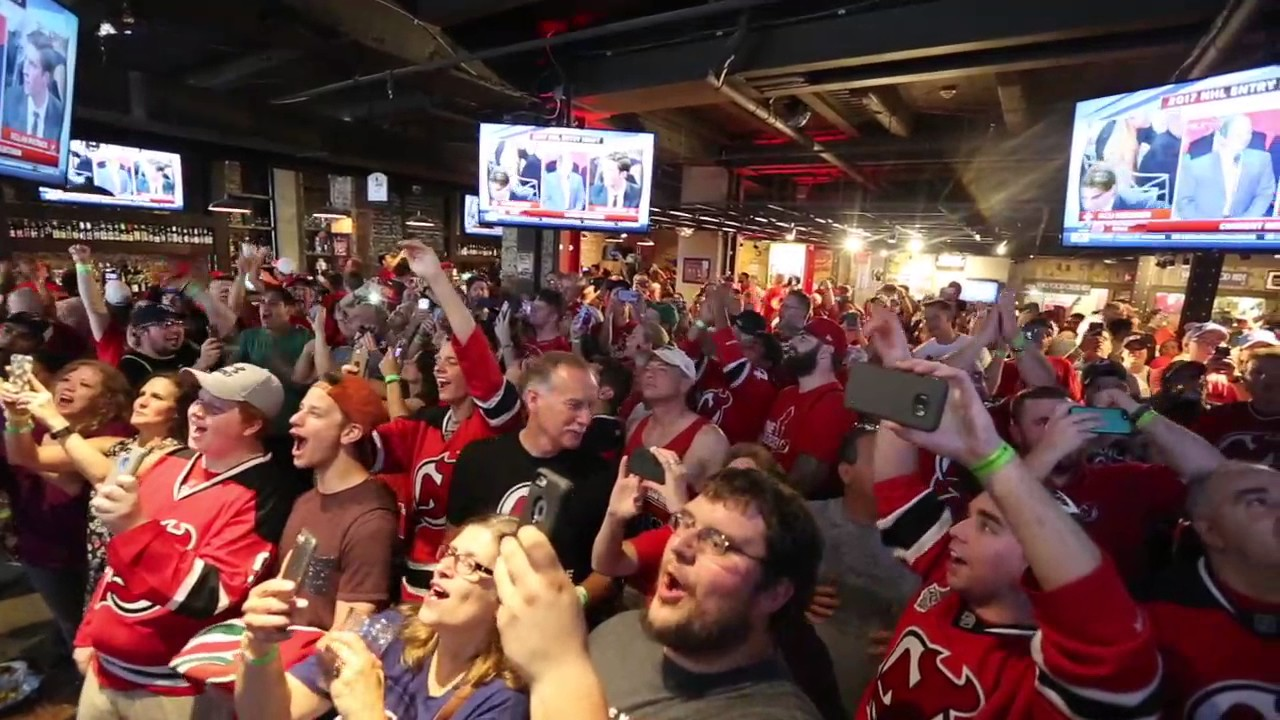 Devils fans in Newark react to the team picking Nico Hischier with the No. 1  pick of 2017 NHL Draft 75e9224be
