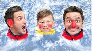 سينيا وأبي يلعبان بالثلج ويهربان من رجل الثلج