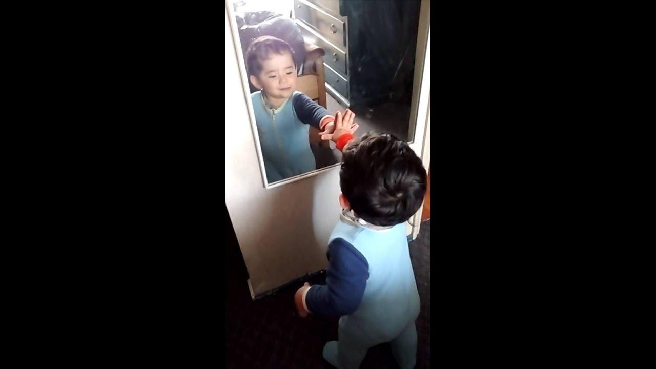 Reacci n frente al espejo ni o de un a o youtube - Espejo irrompible ninos ...