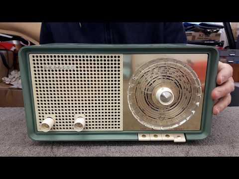 1960's NZ Philips Valve Radio B3Z95U