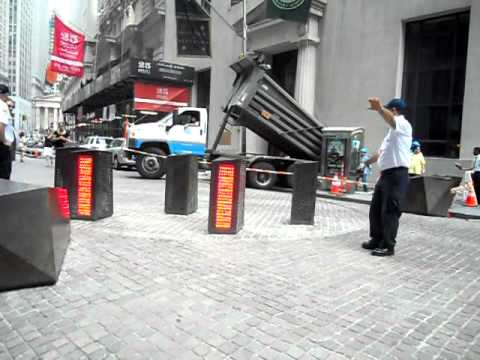 how to let a car pass in wall street