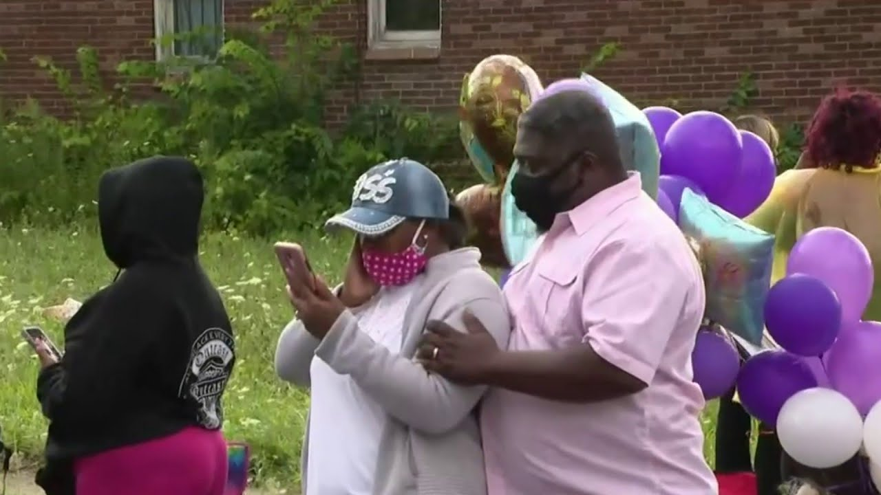 Community gathers to remember mother of 7 killed in Detroit crash