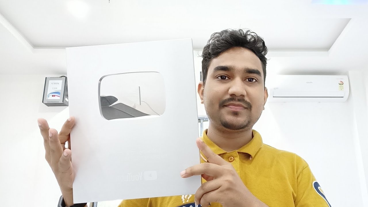 YouTube Sent Us A Mystery Box Unboxing & First Look !! YouTube YouTube Play Button Unboxing India