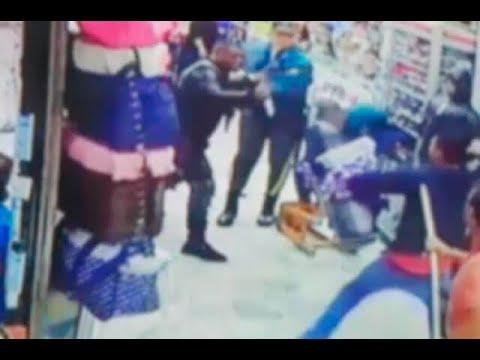 Asesinan a lustrabotas en pleno centro comercial de Bogotá, frente a vendedores y compradores
