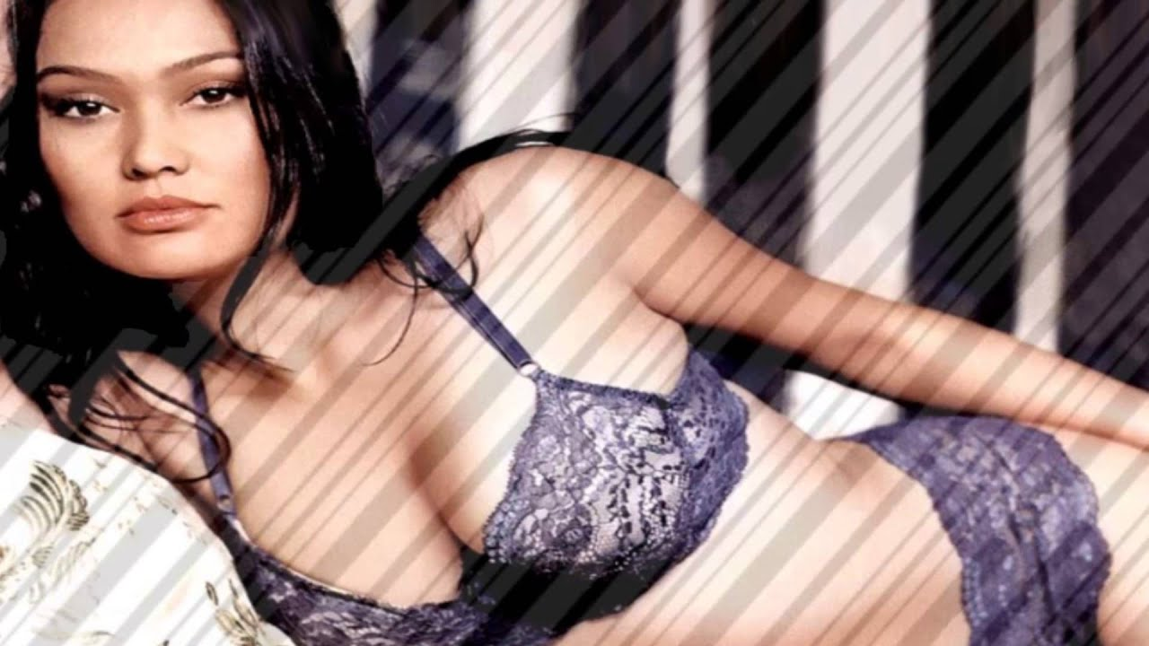 Tia Carrere Nude Pics & Videos That You Must See in