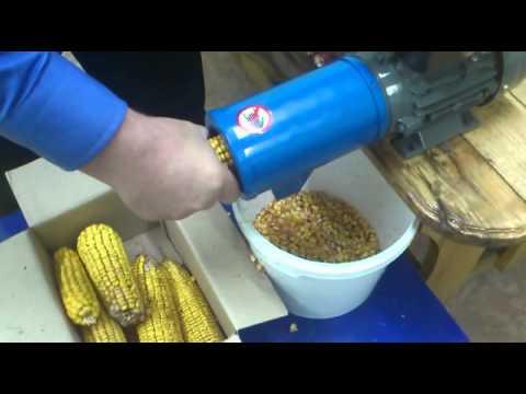Видео кукрузолущилка