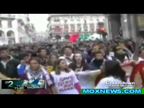Protesters in Milan Italy Storm Goldman Sachs! to Occupy Offices!