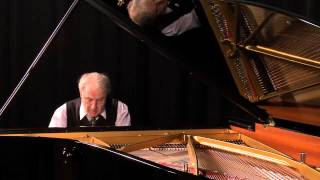 Grigory Gruzman plays J.S. Bach Präludium und Fuge WTK I E-Dur BWV 854