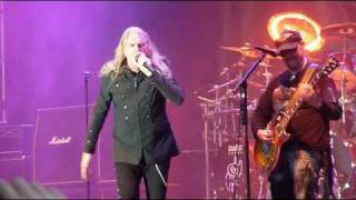 Saxon - 747 (Strangers In The Night) (live 2010 HQ)