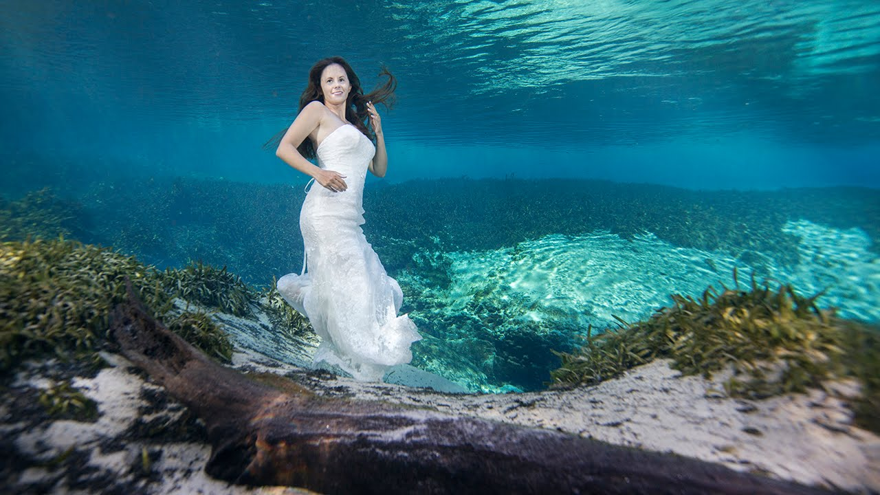 Trash the Dress, Underwater Photography - YouTube