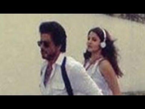 Anushka Sharma And Shahrukh Khan Dance Crazily On The Streets Of Lisbon!