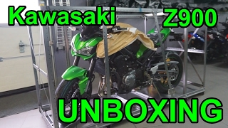 UNBOXING Kawasaki Z900 2017