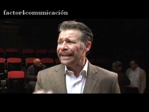 Oleanna, obra de teatro dirigida por Enrique Singer; actúan Juan Manuel Bernal e Irene Azuela