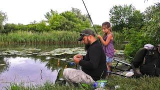 Ловля КАРАСЯ на КОЗЯВКУ Рыбалка на ПОПЛАВОК с Дочерью Поклёвки карася Обловила Отца