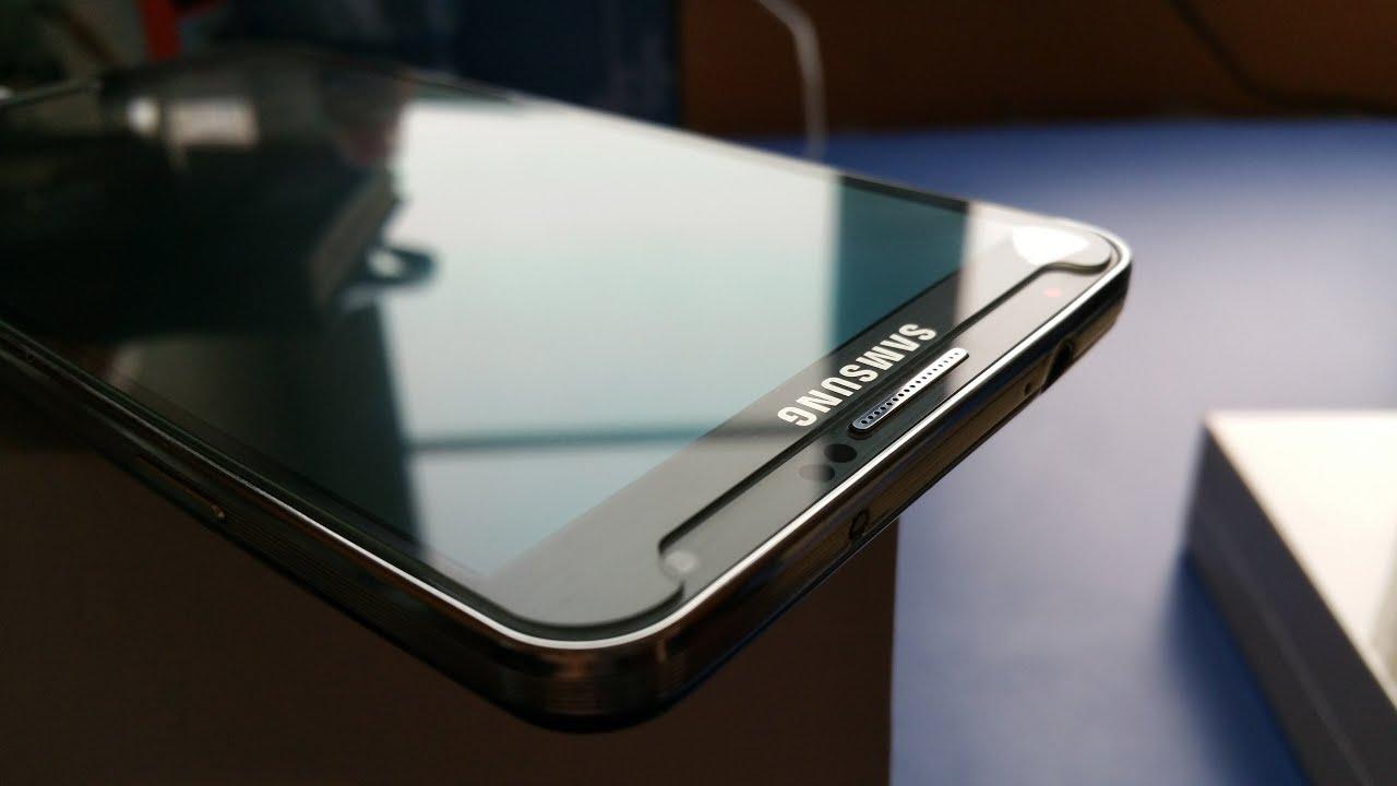 Можно ли переклеить стекло на смартфоне