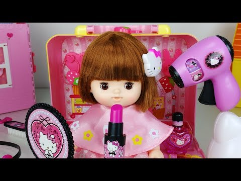 Thumbnail: Baby doll and Hello Kitty beauty hair shop and Make up toys play 아기인형과 헬로 키티 미용실 장난감 놀이