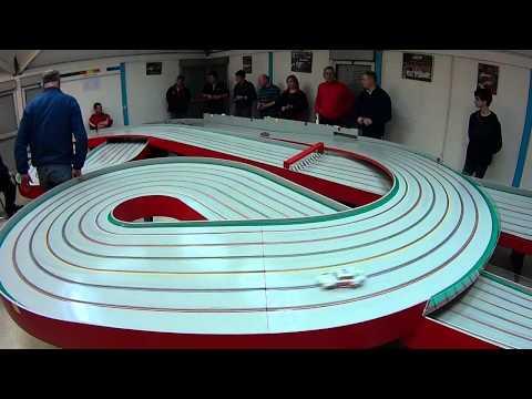 """Slot Racing en """"White Point""""… 2 heures sur la piste bois du MMC78"""