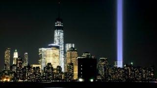 В Нью-Йорке в память об 11 сентября осветили небо