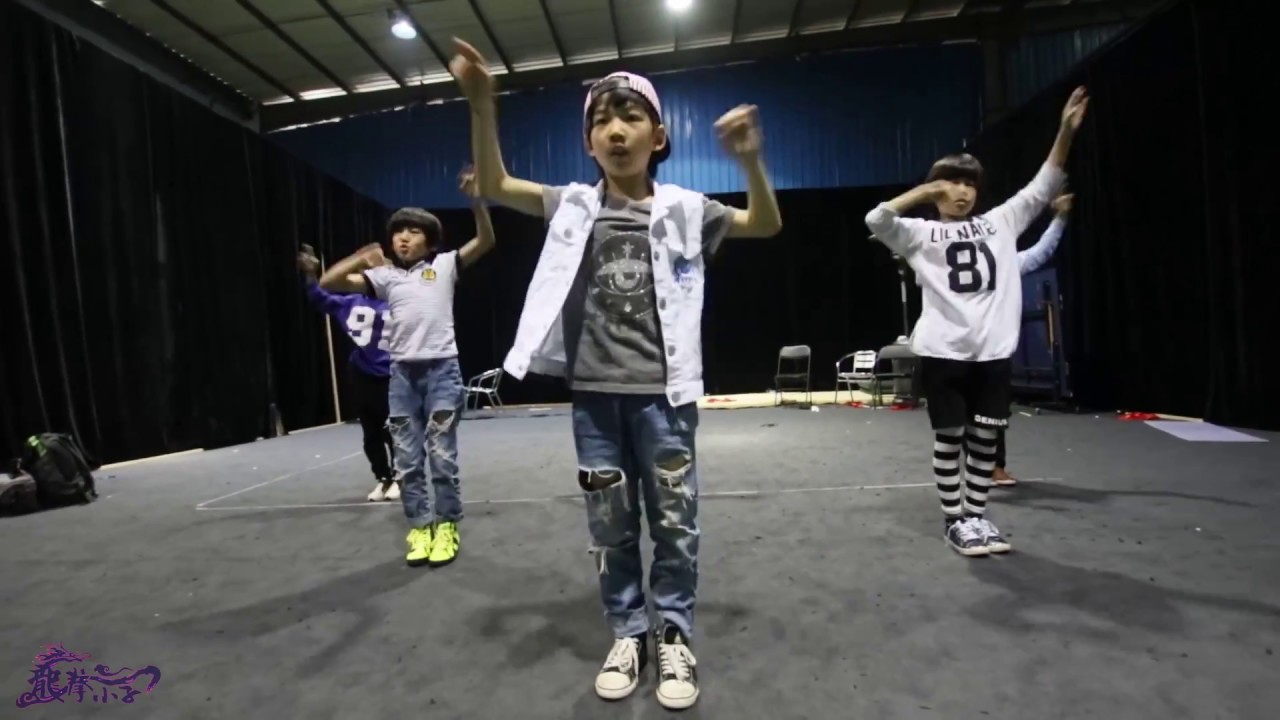 Download 2015.4.24 Dragon Boys Practicing Video 龙拳小子 练习视频《 防弹少年团 男子汉 BTS Boy In Luv》