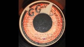 Freddie McKay & Jah Lloyd - The War Is Over + VERSION- 1977