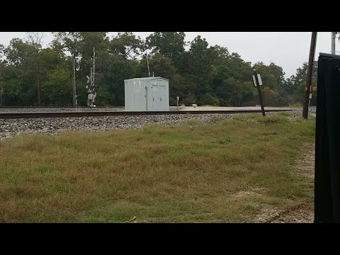Railfanning Time 4 -Kansas City Southern Grey Ghost Makes a surprise Appearance!!