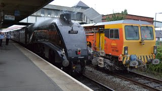 #401: *2 Whistles* BR Green 60009 & West Coast Class 47245 passes Colwyn Bay, LLJ & Conwy (27/07/14)