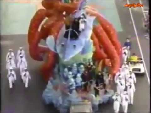 Sunset Beach..Clive Robertson & Susan Ward take part in Macy's Thanksgiving Parade