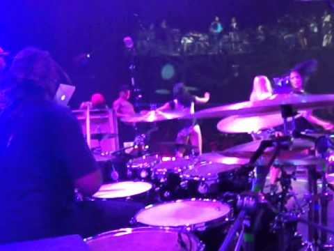 Behind the kit on Keyshia Cole gig #1!