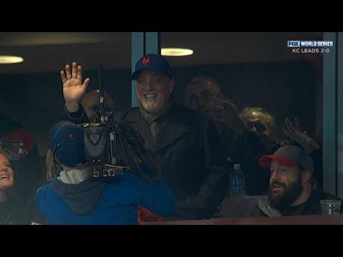 Billy Joel Sings 'Piano Man' From Stands