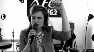 CHRISTINE AND THE QUEENS - The Loving Cup (Live Radio Néo)