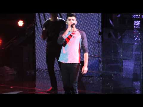 Teenage Dirtbag (cover) - One Direction in Seattle 7/28/13