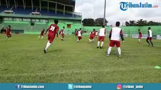 Persela Lamongan menjajal Lapangan Stadion Gajayana Malang Jelang laga lanjutan Piala Presiden 2018