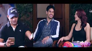 Sidharth Malhotra & Jacqueline Share SIZZILING Chemistry In This Quiz Segment   A Gentleman