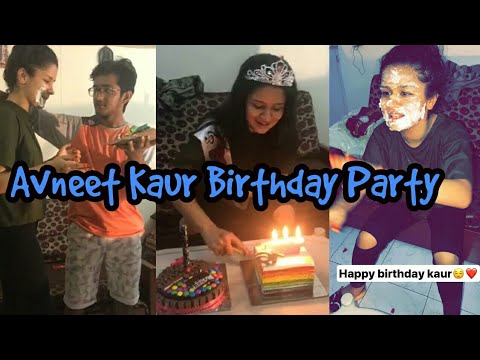 Avneet Kaur Birthday 🎂Party 2017 -16th Birthday Celebration 🎂