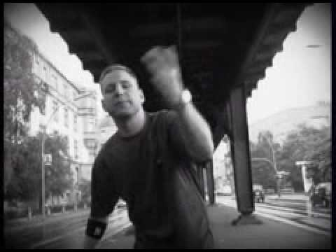 Shizoe-Eine Hand (Produced By Fler)