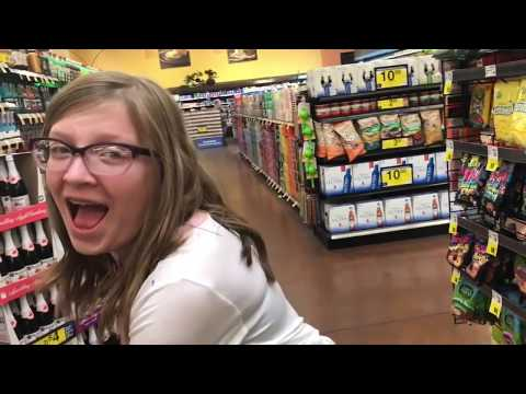 coffee & mom life   vlog 14 #vlogmas