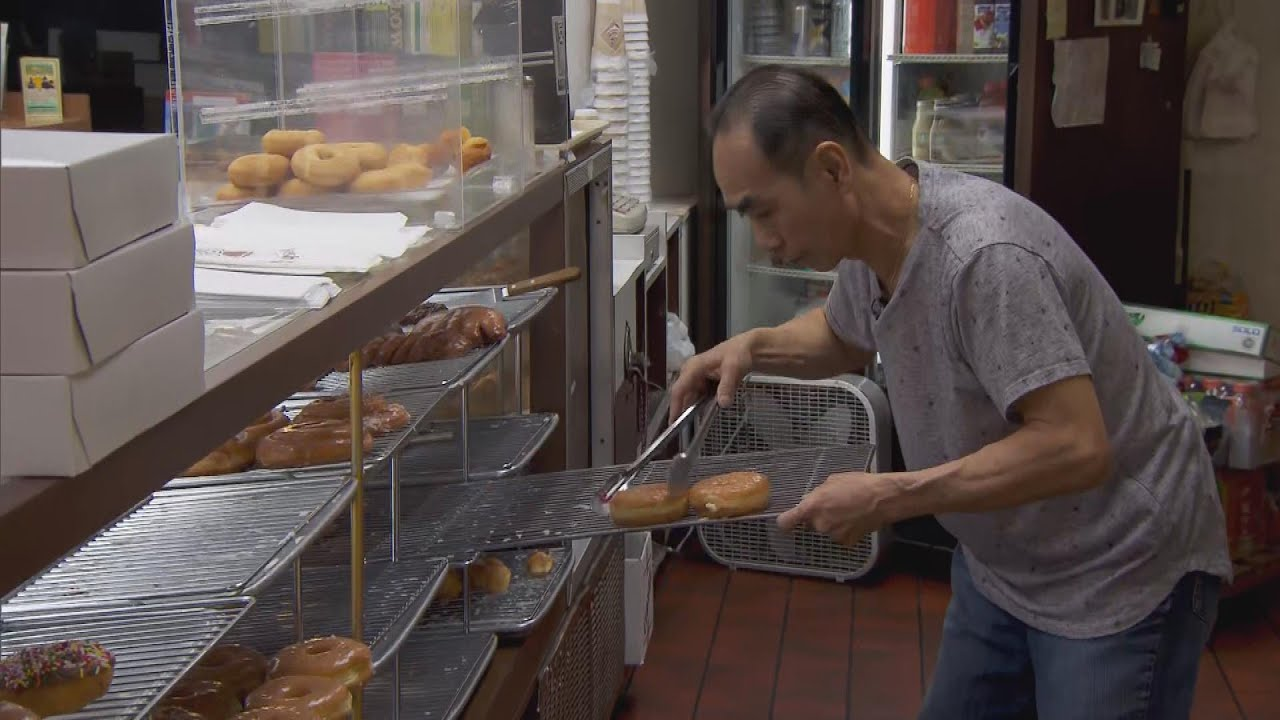 customers-buy-out-store-s-doughnuts-so-owner-can-care-for-his-sick-wife