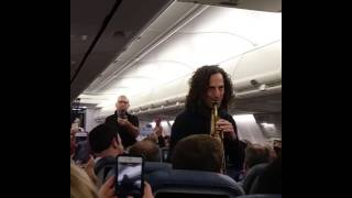 Kenny G Surprises Delta Flight Passengers With Exclusive Performance