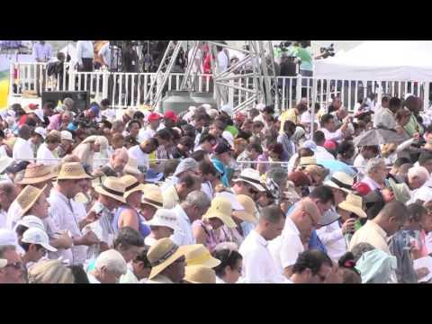 Pope Francis officiates Mass in Havana