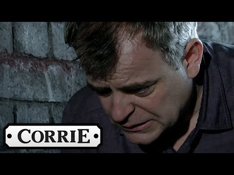 Leanne Winds Up Tracy In The Hot Tub About Her Secret | Coronation Street from YouTube · Duration:  1 minutes 40 seconds