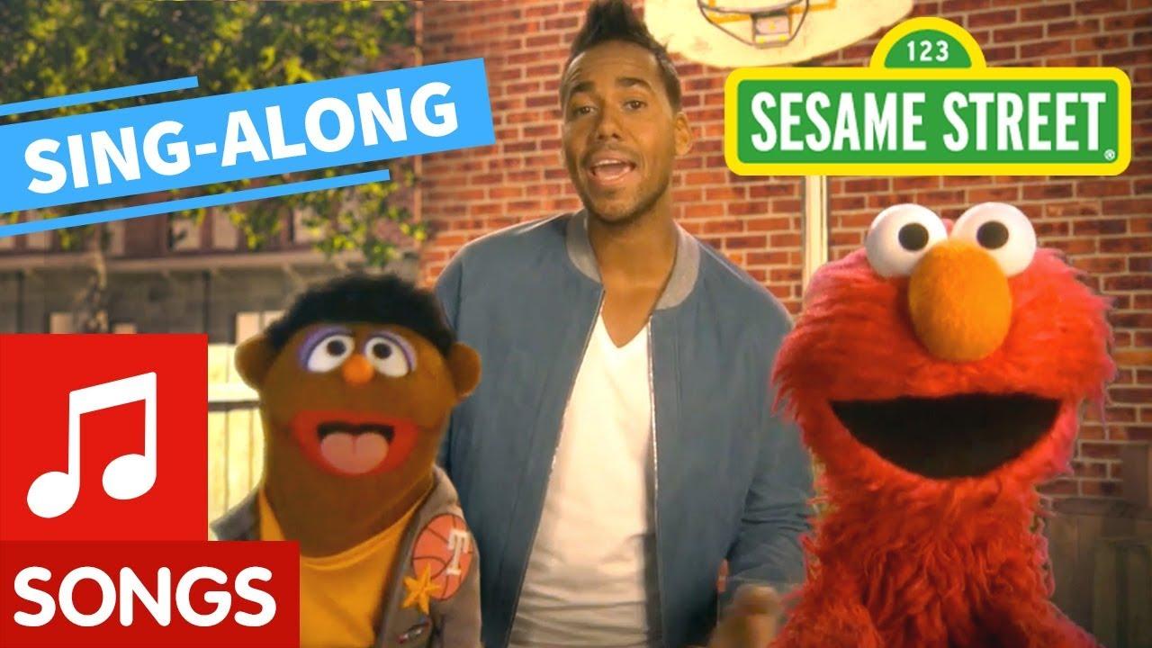 Sesame Street: Quiero Ser Tu Amigo with Lyrics feat. Romeo Santos   Elmo's Sing Along