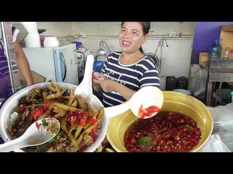 Thai People Taking Lunch | Rice with Spicy Chicken & Vegetables | 45 Bhat Per Plate