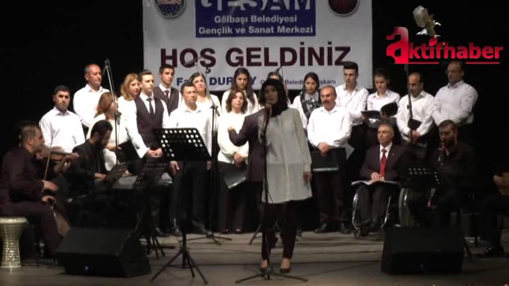 Polis, Müdür, Aşçı ve Öğrencilerden Oluşan Türk Halk Müziği Korusu