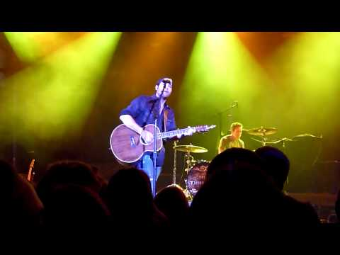 Josh Thompson ~ Always Been Me ~ Chicago, IL ~ 4/30/11