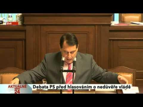Jiří Paroubek zesměšňuje Karolínu Peake (13.1. 2013)