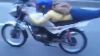 Repeat youtube video Awek Melayu Fly Di Highway 😱😱
