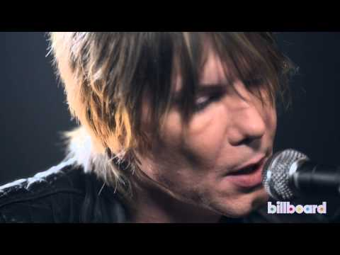 "The Goo Goo Dolls' John Rzeznik Performs ""Come To Me"""