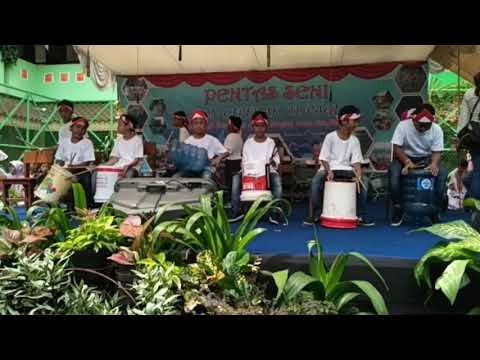 Lagu Sayang Dan Yamko Rambe Yamko